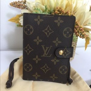 Louis Vuitton Agenda PM size